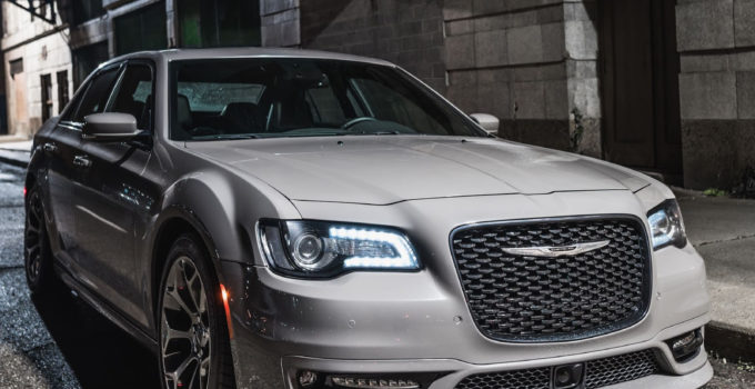 FCA Shakes Up The Chrysler 300 Line For 2018 Carscoops