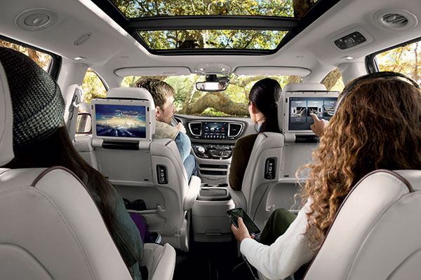 2017 Chrysler Pacifica Bryant Motors
