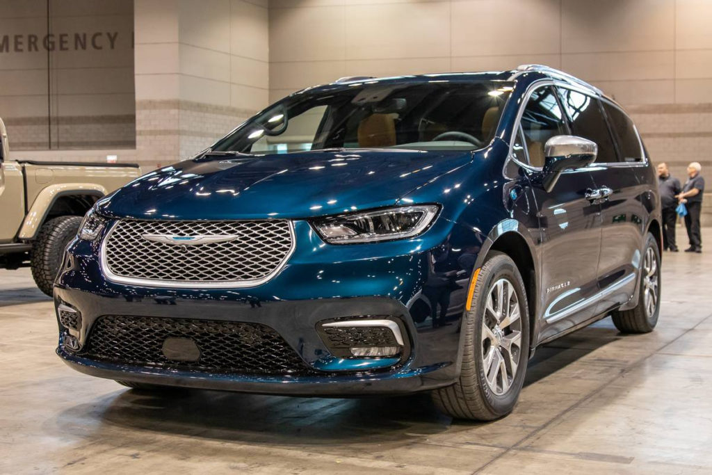 2021 Chrysler Pacifica Hybrid Review