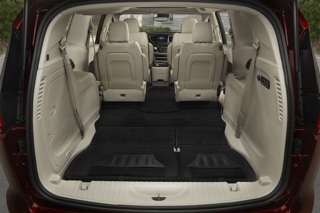 New 2017 Chrysler Pacifica Minivan Takes Over For Town