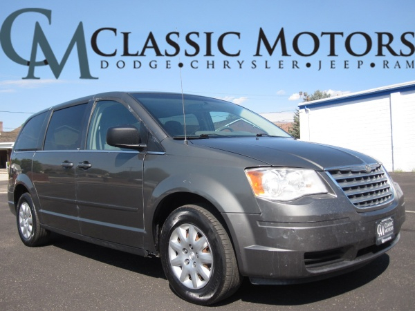 Used 2010 Chrysler Town Country For Sale with Photos