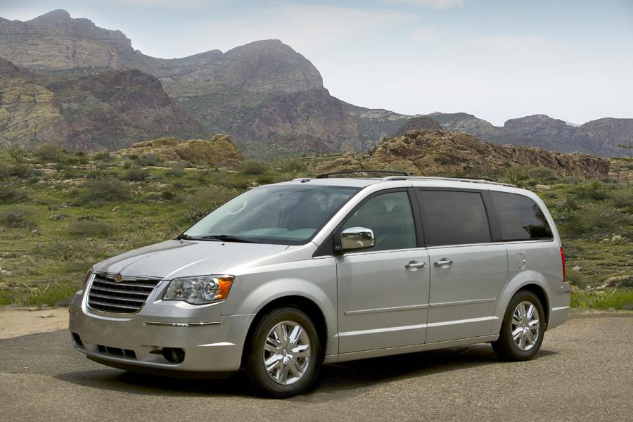 2010 Chrysler Town Country Specs Pictures Trims
