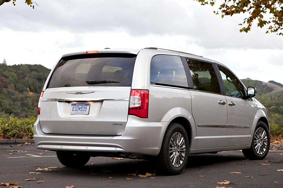 2014 Chrysler Town Country Specs Pictures Trims