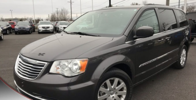 Used 2015 Chrysler Town Country For Sale with Photos