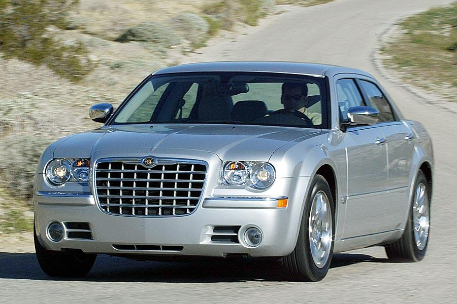 2005 Chrysler 300C Overview Cars