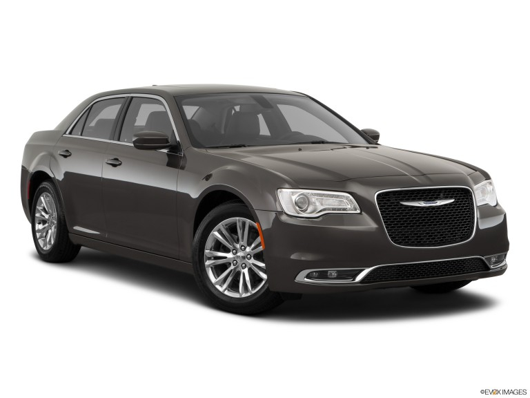 2020 Chrysler 300 Read Owner And Expert Reviews Prices