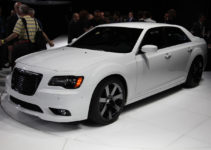 2012 Chrysler 300 SRT8 First Look Motor Trend