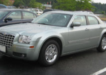 File 05 07 Chrysler 300 Limited jpg Wikimedia Commons