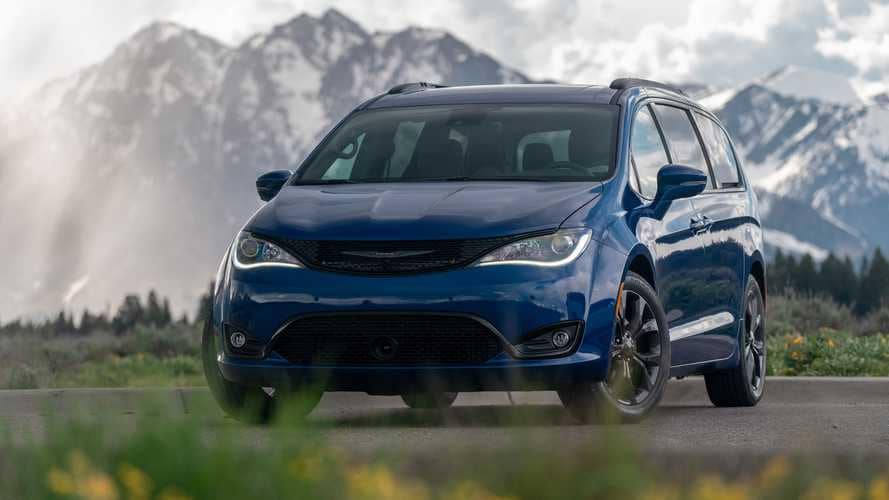 Chrysler Pacifica Might Get AWD In 2021