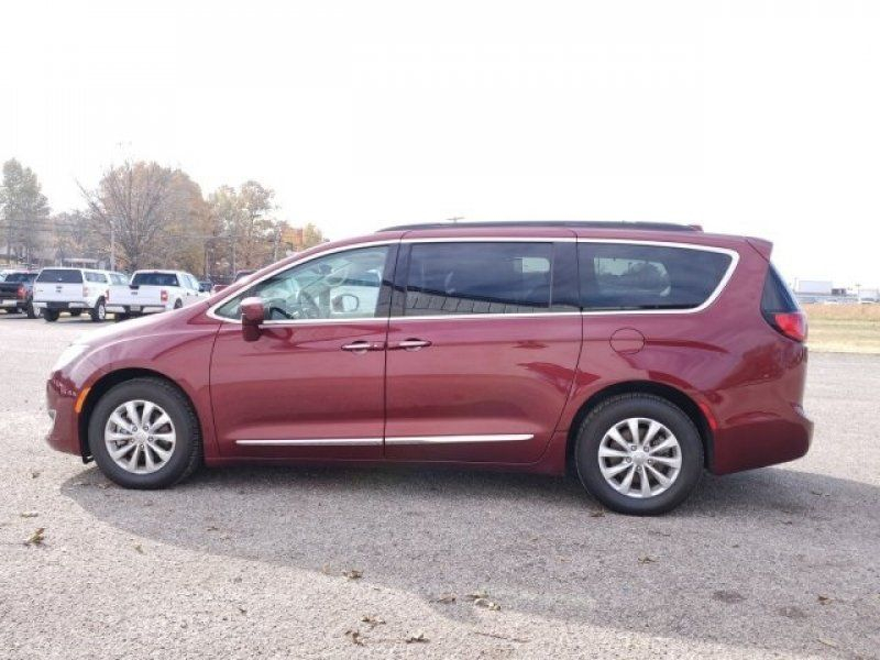 Used 2017 Chrysler Pacifica In HUMBOLDT TN 496019693