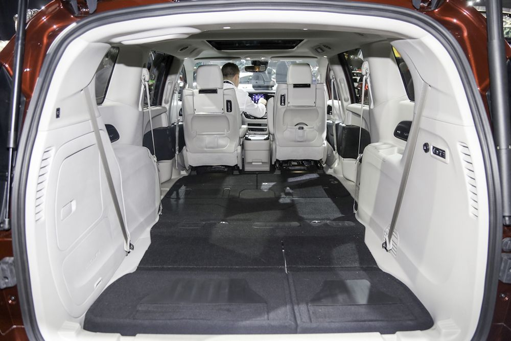 Chrysler Replaces Town Country With A New Model Van