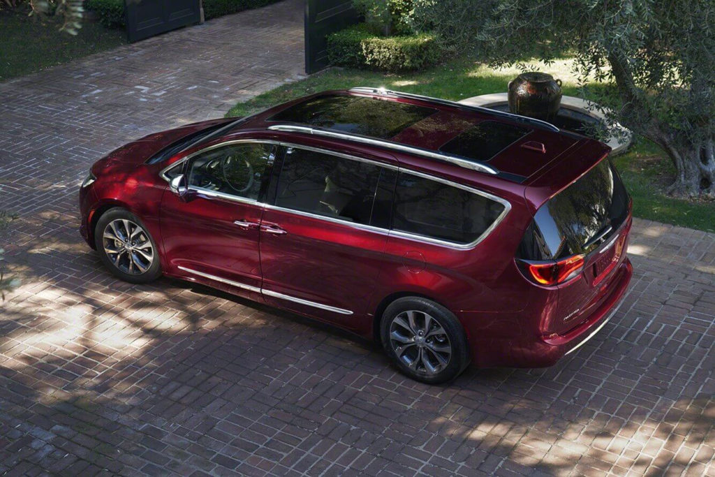 Chrysler 2018 Chrysler Town And Country Spied 2018