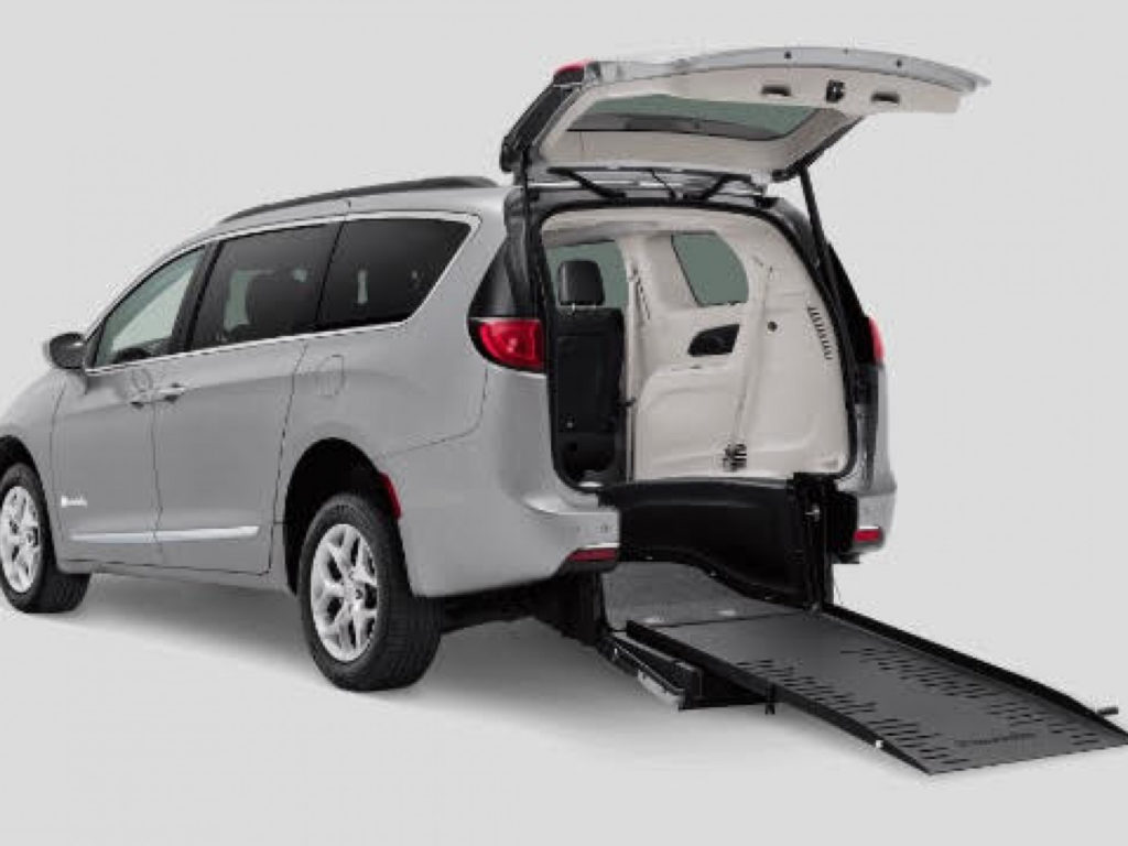 2017 Chrysler Pacifica Stock AVAILABLE SOON