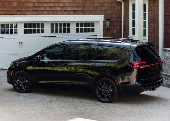 2021 Chrysler Pacifica First Review Kelley Blue Book