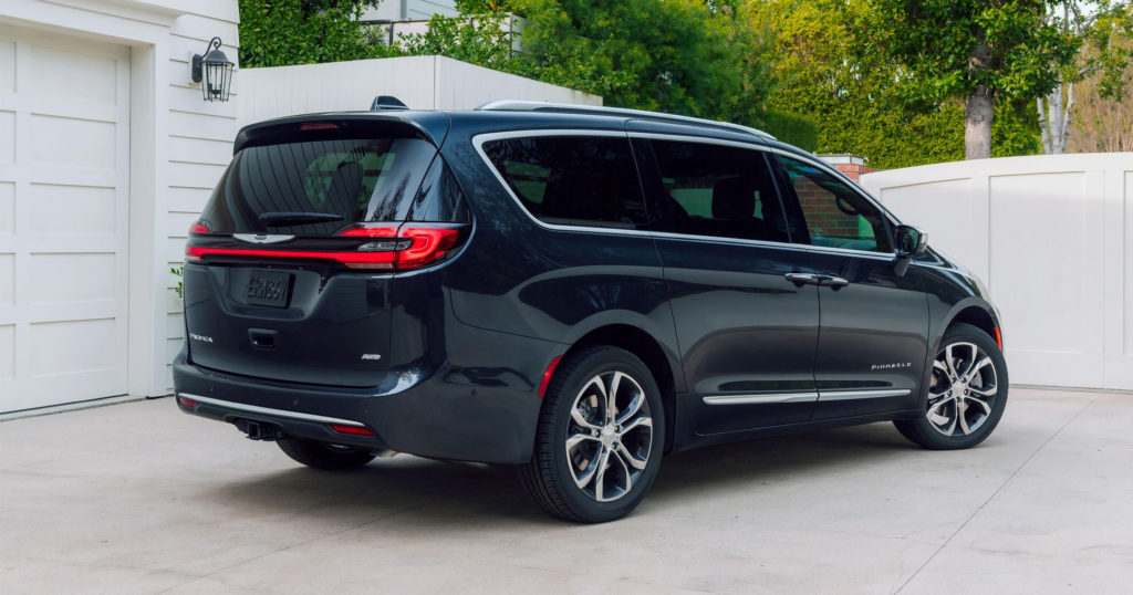 2021 Chrysler Pacifica Pinnacle AWD Out luxes Your Minivan