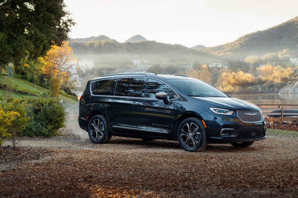 2021 Chrysler Pacifica Adds All Wheel Drive And New
