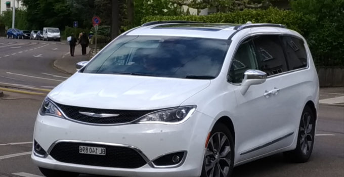 2022 Chrysler Voyager Spy Shots SUV Models