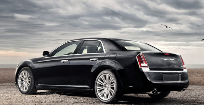 2013 Chrysler 300C Price Photos Reviews Features