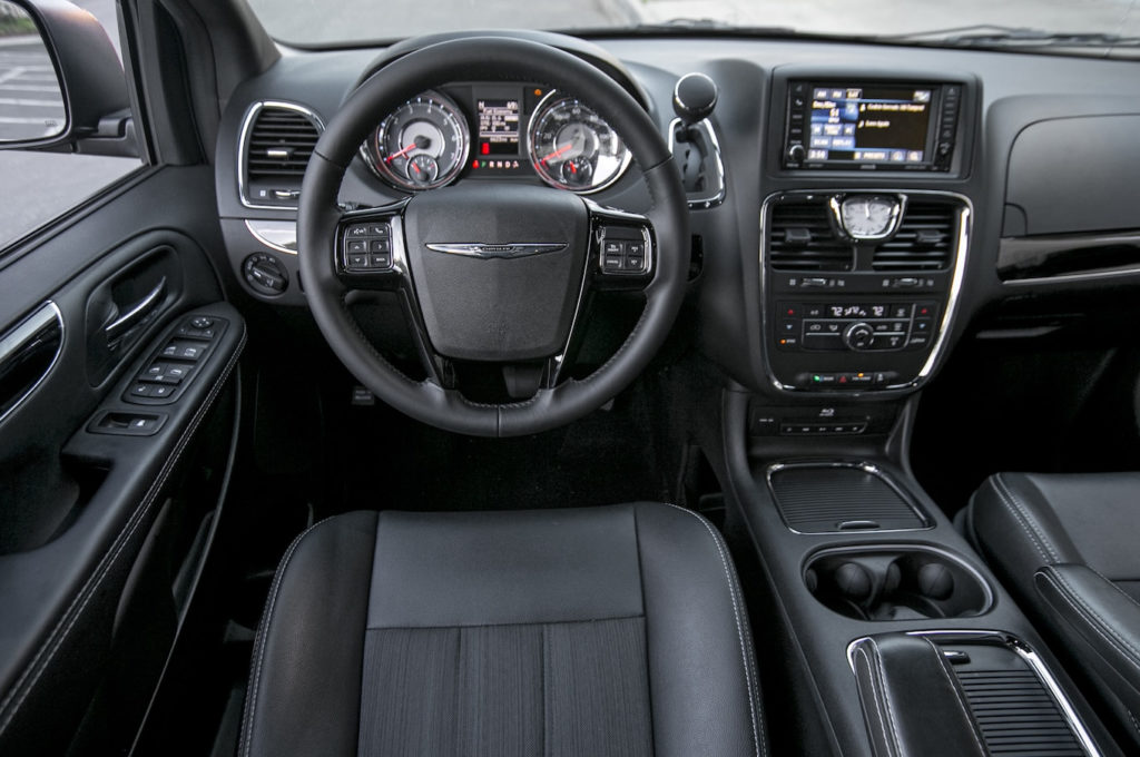 2014 Chrysler Town Country Reviews And Rating Motor Trend