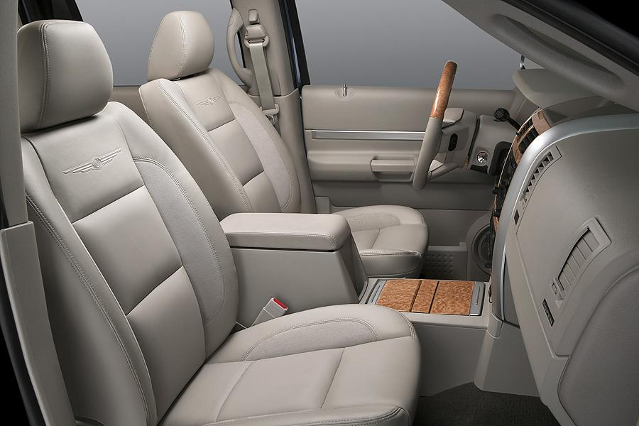2007 Chrysler Aspen Reviews Specs And Prices Cars