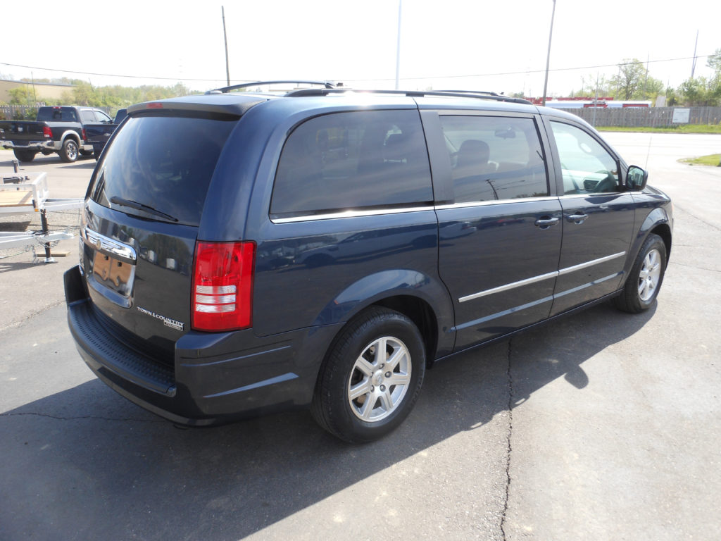 For Sale 2009 Chrysler Town Country Denam Auto