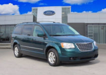Used 2009 Chrysler Town Country For Sale with Photos